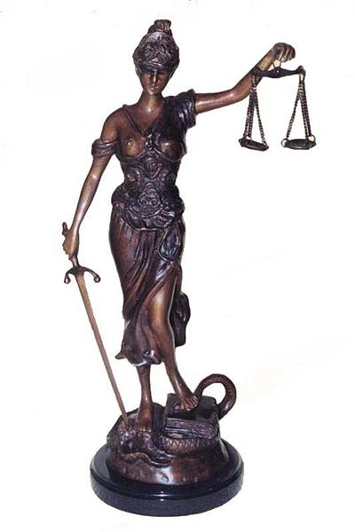 "18""H Blind Justice Statue"